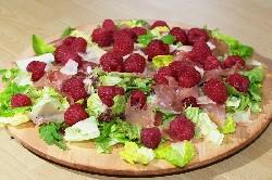 Salat_s_malinoy002_resize.jpg