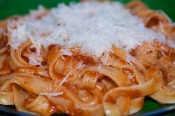pasta s tomatnim sousom_resize.jpg
