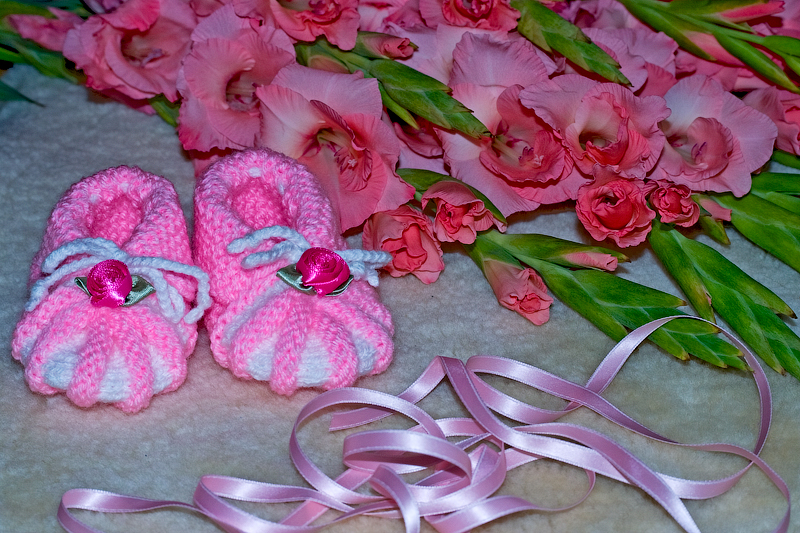 Цветок из ленты на платье своими руками
