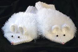 Варежки в виде мышат