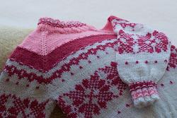 Жаккардовый свитер регланом сверху