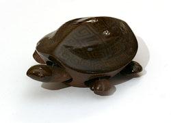 Керамическая черепашка с болтающимися лапками