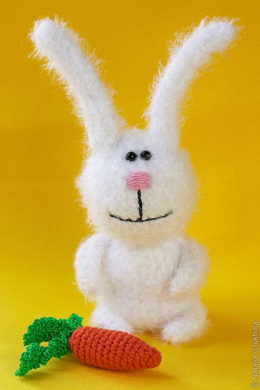 Вязаные зайчики и коты по мотивам игрушек Тани Оробец