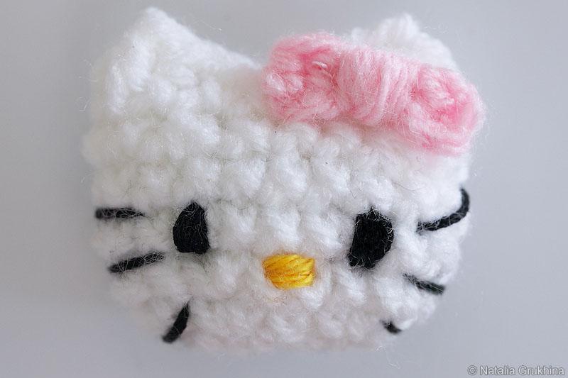 Вязанная Hello Kitty на