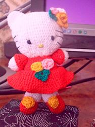 Китти в нарядном платье от Валентины