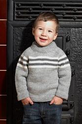 Вязаный свитер регланом сверху