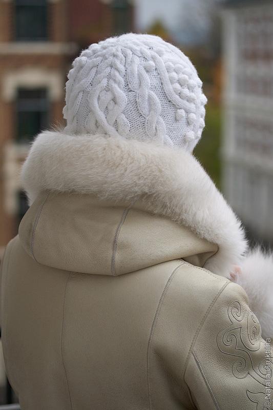 вязаные женские объемные шапки крупной вязки описание.