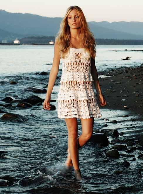 Вязаные крючком пляжные платья и юбки.