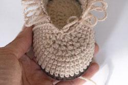 Пинетки угги крючком для малышей.