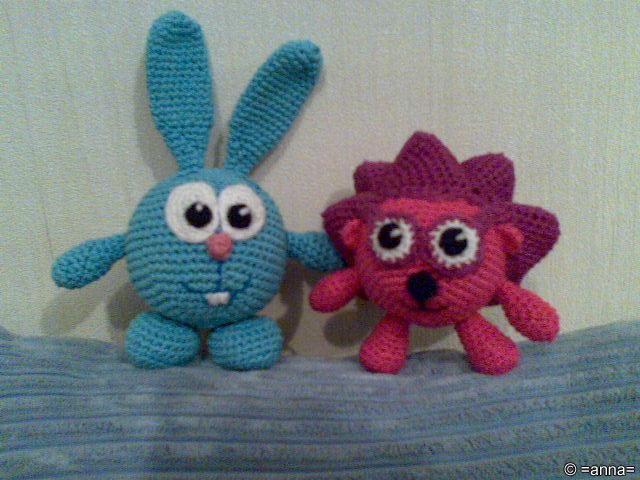 Вязаные игрушки - Крош и Ежик