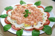 «Розовый» салат с креветками
