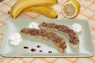 Бананы, запеченные с орехами и коричневым сахаром