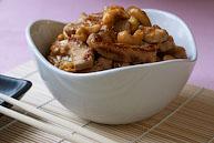 Свинина с имбирем и бананами под соусом чили (Wok med chili og banan)