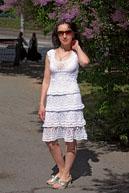 Вязаное летнее платье по мотивам сарафана дизанера Анны Костуровой