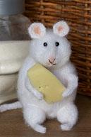 Очень упитанная мышь