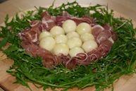 Нежный салат с дыней (Insalata delicata al melone)
