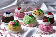 Вязаные пирожные и торты