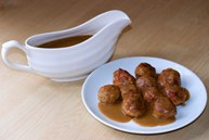 Шведские фрикадельки с коричневым соусом (Svenske kjøttboller med brun saus)