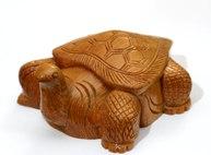 Большая деревянная черепаха