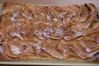 Яблочный пирог на слоеном тесте